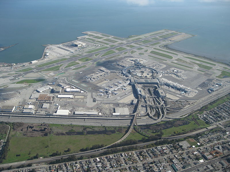 Aerial view of San Francisco International Airport in 2010