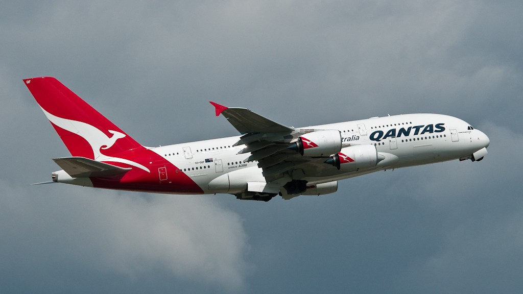 "Qantas 388 leaving Heathrow 09R. Of the currant 380 schemes I think this is my favorite. c/n29 ""Charles Kingsford Smith"""