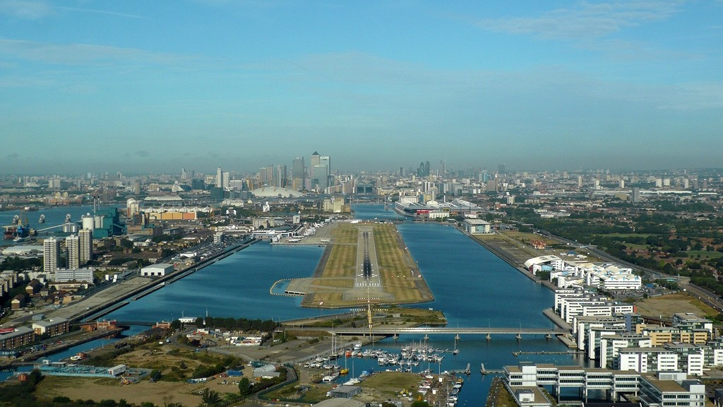 London City Airport (LCY)