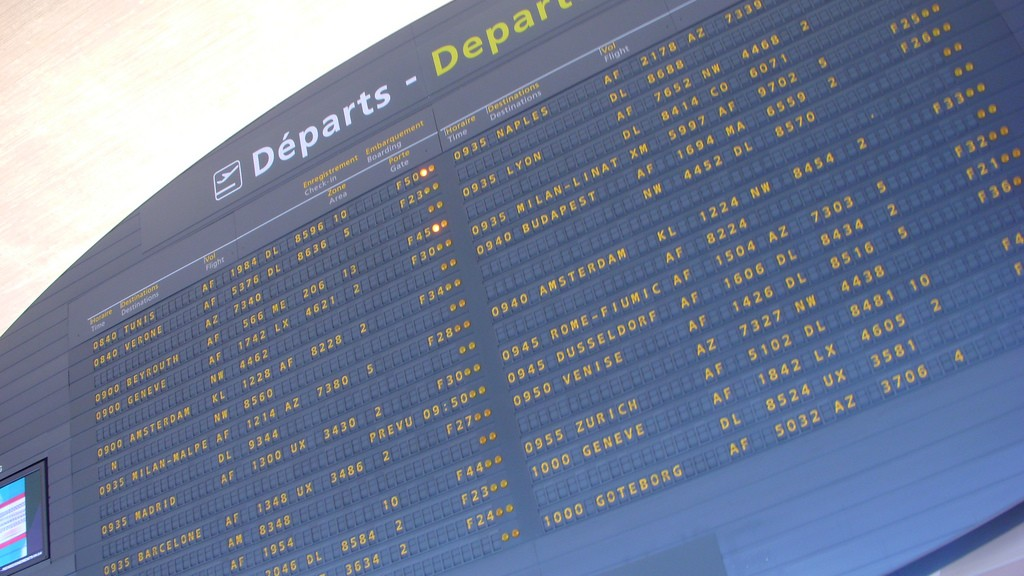 First delayed passengers, then delayed flights - Paris Charles de Gaulle Airport this weeek