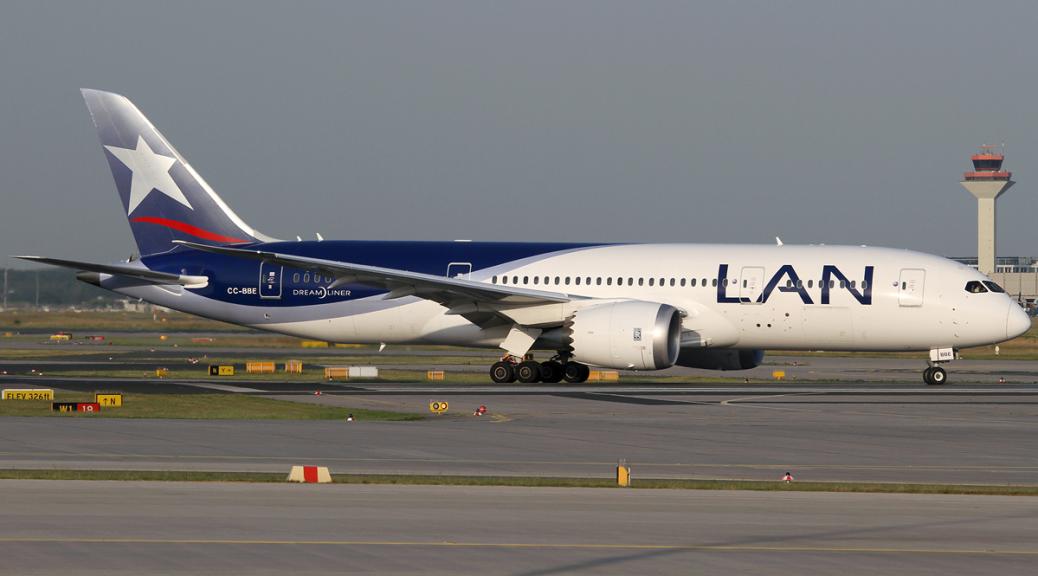 LAN Airlines Boeing 787-8
